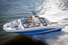 Sea Ray 215 SPX (Motorboot)